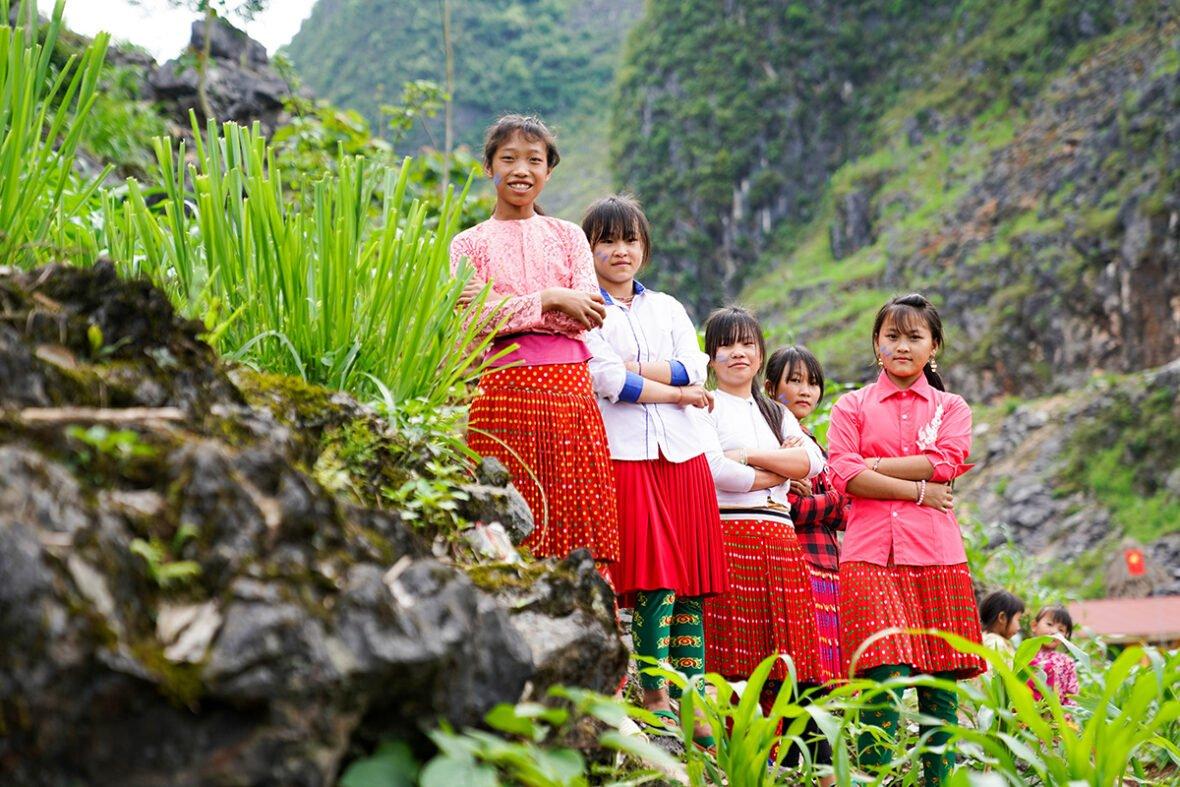 Tyttöjä Vietnamissa