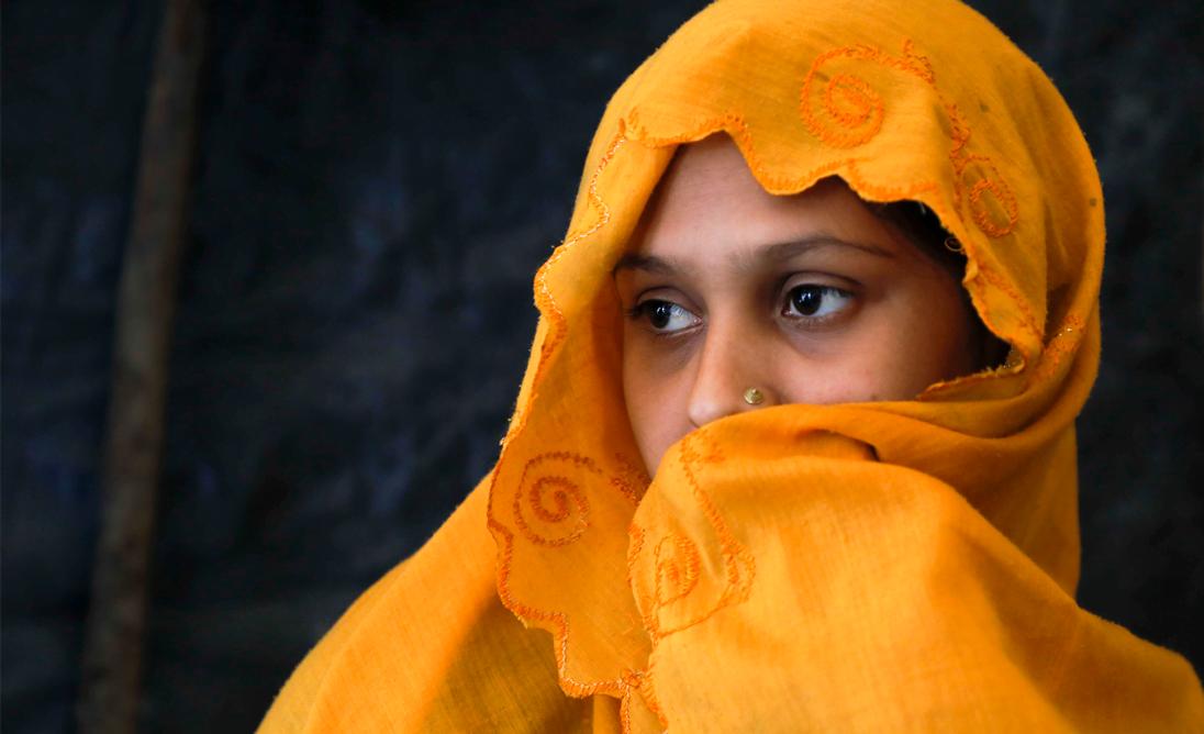 Väkivalta on sukupuolittunut ilmiö. Jokaisella tytöllä on oikeus fyysiseen koskemattomuuteen. Kuukausilahjoituksesi edistää heikoimmassa asemassa olevien tyttöjen oikeuksia.
