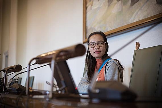 Plan Internationalin kambodzhalainen aktivisti ja peruskoulun opettaja Hory Toth, 24, kertoi ilmastonmuutoksen konkreettisista vaikutuksista lasten ja erityisesti tyttöjen arkeen.
