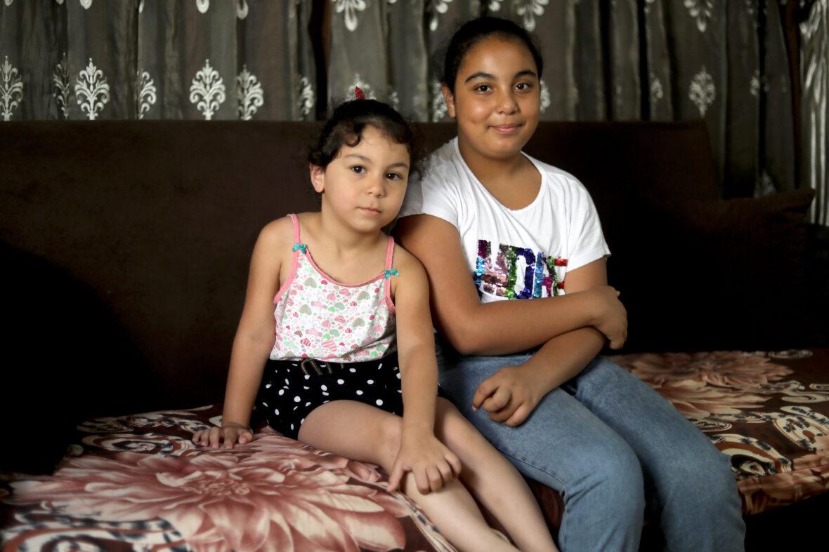 Tytöt sohvalla Beirutissa