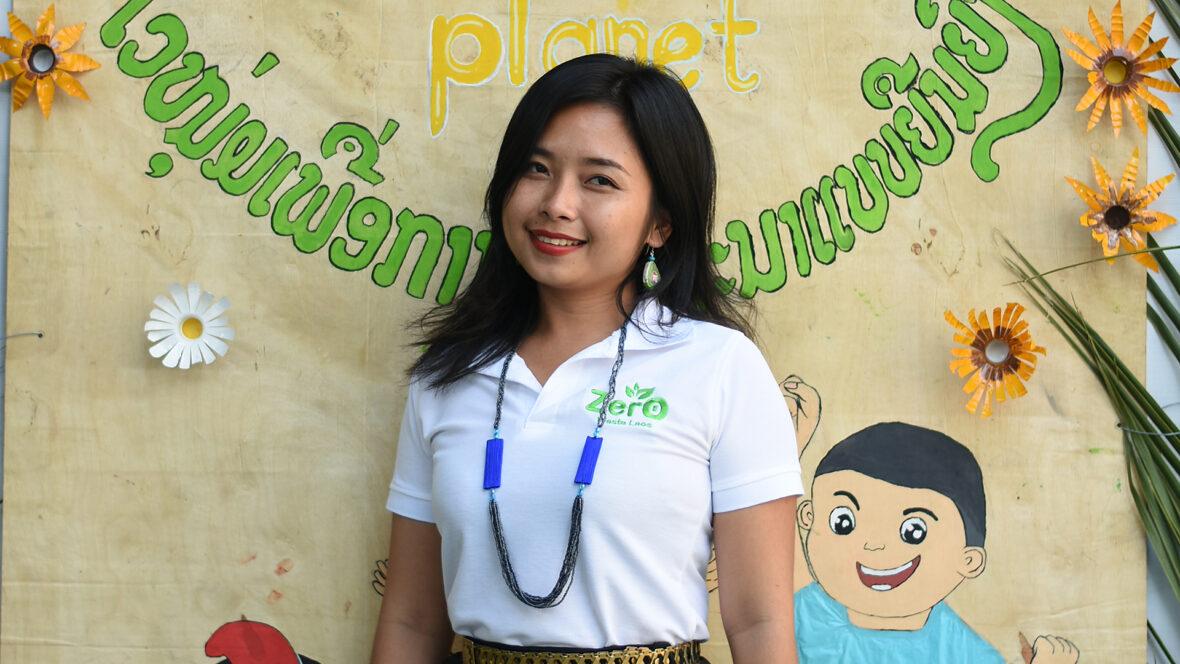 Laosilainen tutkija ja Zero Waste Laos -ryhmän perustaja Souksaveuy